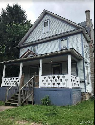 Albion Single Family Home For Sale: 123 W Academy Street