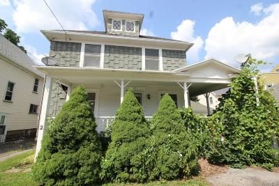 Batavia-City NY Single Family Home For Sale: $49,900