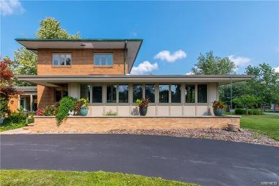 Erie County Single Family Home For Sale: 7 Lebrun Circle