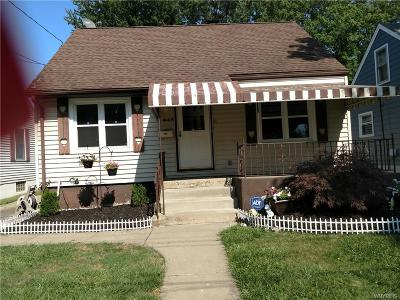 Niagara Falls Single Family Home For Sale: 445 71st Street