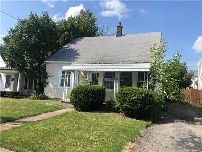 Niagara County Single Family Home For Sale: 2954 South Avenue