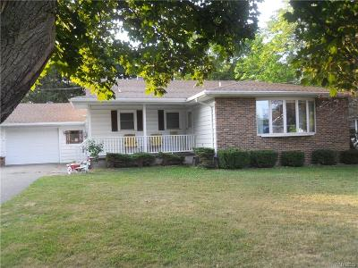 Batavia-City NY Single Family Home For Sale: $144,900