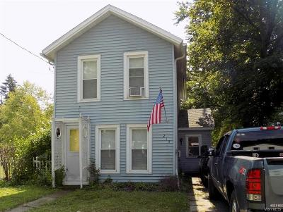 Niagara County Single Family Home For Sale: 214 Olcott Street