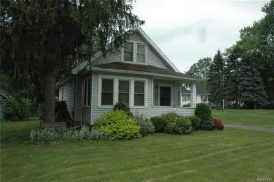 Batavia-Town NY Single Family Home For Sale: $59,500