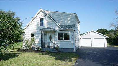 Niagara County Single Family Home For Sale: 7300 Packard Road
