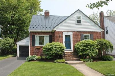 Williamsville Single Family Home For Sale: 52 Highland Drive