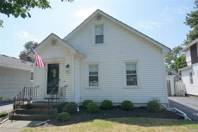 Niagara County Single Family Home For Sale: 97 Woodlawn Avenue