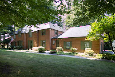 Amherst Single Family Home For Sale: 220 Briarhill Road