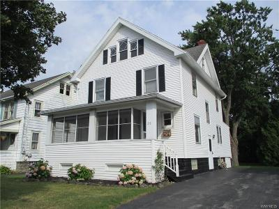 Batavia-City NY Single Family Home For Sale: $124,500
