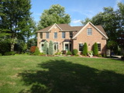 Erie County Single Family Home For Sale: 249 Landings Drive