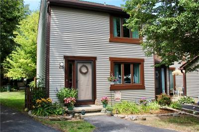 Amherst Single Family Home For Sale: 1301 Charlesgate Circle