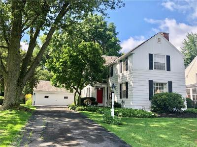 Buffalo Single Family Home For Sale: 83 Woodcrest Blvd