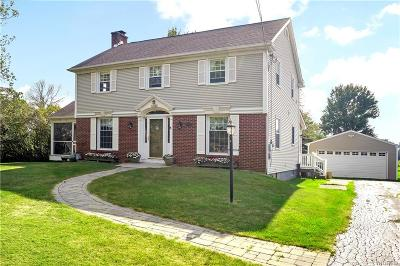 Niagara County Single Family Home For Sale: 6946 Witmer Road