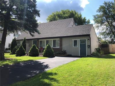 Grand Island Single Family Home For Sale: 102 Jenell Drive