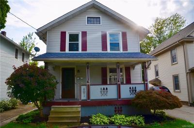 Niagara County Single Family Home For Sale: 7 Livingston Place