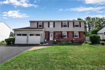 West Seneca Single Family Home For Sale: 146 Crofton Drive