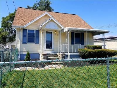 Niagara Falls Single Family Home For Sale: 1294 87th Street