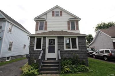 Genesee County Single Family Home For Sale: 5 Wallace Street