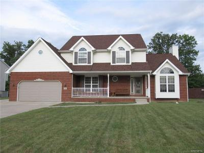 Niagara County Single Family Home For Sale: 7357 Erica Lane