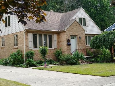 Niagara County Single Family Home For Sale: 1121 Marcia Drive