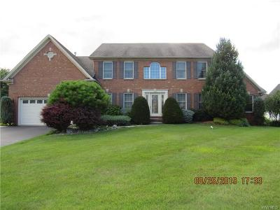 Erie County Single Family Home For Sale: 4110 Thornwood Lane