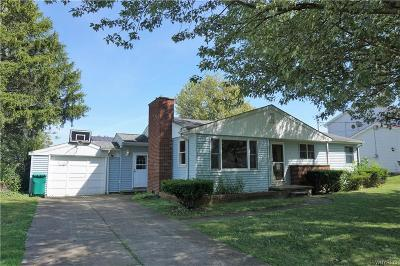 Single Family Home For Sale: 5877 Lakecrest Drive