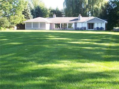 Niagara County Single Family Home For Sale: 4877 E Lake Road