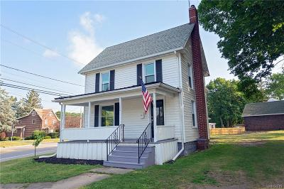 Single Family Home Active Under Contract: 104 Oak Street