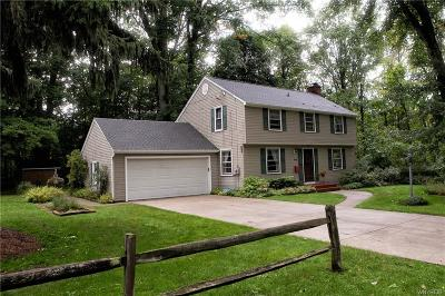 Orchard Park Single Family Home For Sale: 96 Eddy Lane