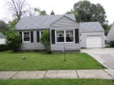 Niagara County Single Family Home For Sale: 8345 Laughlin Drive