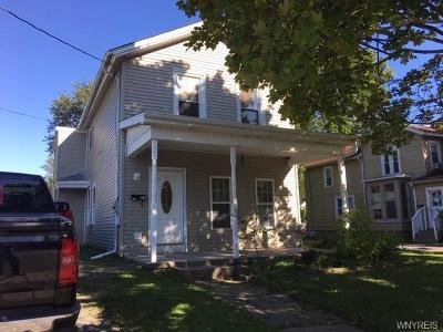 Niagara County Single Family Home For Sale: 28 Erie Street