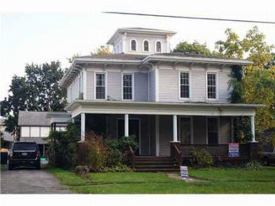 Single Family Home Sold: 322 East Avenue