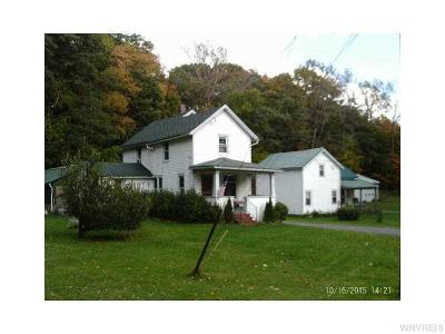 Pomfret NY Multi Family 2-4 A-Active: $149,000