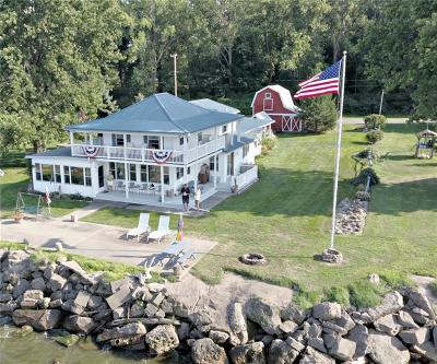 Carlton Single Family Home A-Active: 14381 Oak Orchard On The Lake