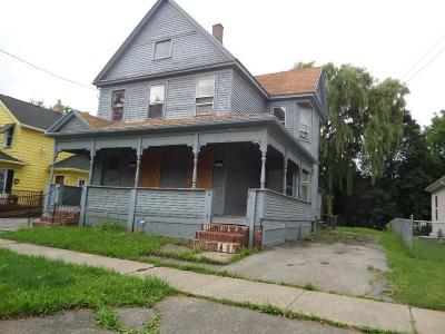 Multi Family 2-4 A-Active: 284 Campbell Street
