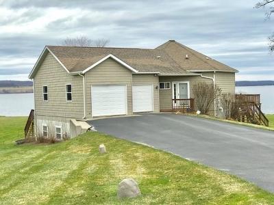 Single Family Home A-Active: 2716 Lakeshore