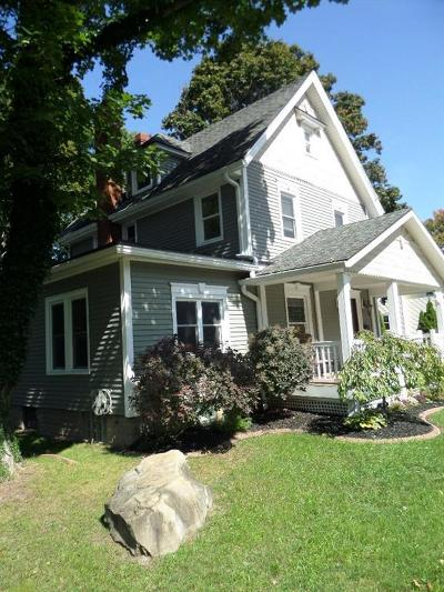 Single Family Home Sold: 224 Lyell Avenue