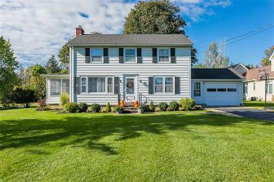 Canandaigua, Canandaigua-city, Canandaigua-town Single Family Home A-Active: 3354 West Lake Road Road