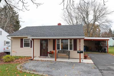Single Family Home A-Active: 209 Fort Hill Avenue