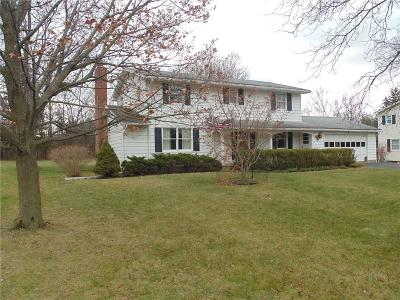 Canandaigua-City Single Family Home A-Active: 136 Deerfield Drive