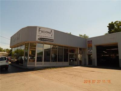 Commercial A-Active: 258 West Main Street