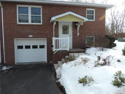 Condo/Townhouse A-Active: 6439 Forest Glen