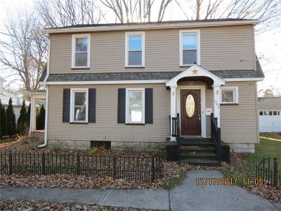 Waterloo Single Family Home A-Active: 303 West Williams Street