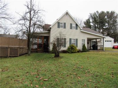 Jamestown Single Family Home A-Active: 8 Violet Avenue