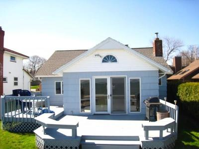Single Family Home A-Active: 3362 Edgemere Drive