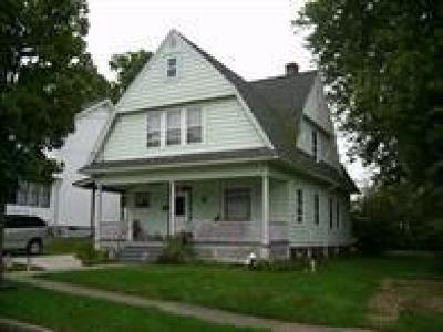 Single Family Home A-Active: 3 Robinson Street