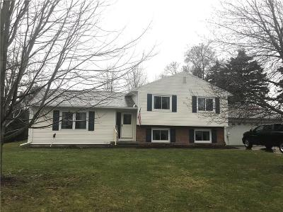 Single Family Home P-Pending Sale: 26 North Ridge Drive