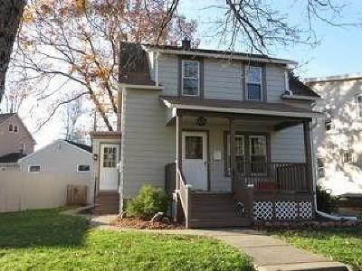 Single Family Home Sold: 1309 Newland Avenue