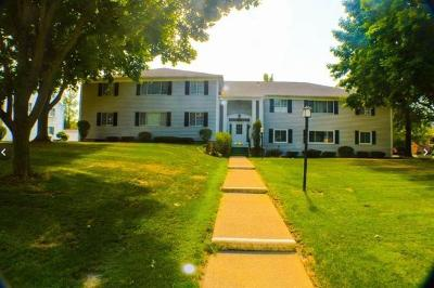 Pittsford Condo/Townhouse U-Under Contract: 24 Colonial Parkway #G