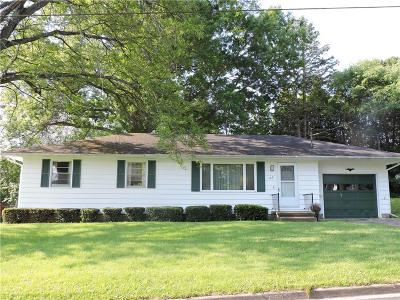 Jamestown NY Single Family Home P-Pending Sale: $57,700